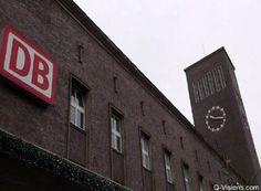 D'r Zuch kütt - neue Düsseldorf-Köln-Verbindung - (rf) Zwischen den rheinischen Städten Düsseldorf und Köln wird die Zugtaktung im Nahverkehr deutlich erhöht. Mit dem Fahrplanwechsel am 13. Dezember 2015 wird zwischen Düsseldorf Hauptbahnhof und dem Flughafen Köln-Bonn eine neue Regionallinie fahren. Stündlich pendelt dann die Linie RE 6a zwischen den Rheinmetropolen. Weiterlesen: http://www.reisefernsehen.com/reise-news/dr-zuch-kuett-neue-duesseldorf-koeln-verbindung.php