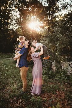 Top Family Stocks: One-Stop Online Shop For Premium Clothing & Home Accessories Family Photos - Family Photography - Family Portraits - Family Photographer.