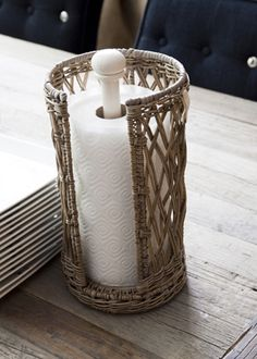 Kitchen towel holder made of Rustic Rattan. Rustic Rattan is a natural product that gets its colour from a natural process that makes each product unique. Paper Basket Weaving, Willow Weaving, Newspaper Basket, Newspaper Crafts, Rattan Lampe, Rivera Maison, Kitchen Roll Holder, Paper Towel Holder, Artisanal