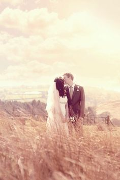 Just discovered this - beautiful #wedding photography, Belle and Beau Photography. View from here would make perfect backdrop for a shot like this.