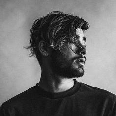 Zayn Malik Songs, Zayn Mallik, Zayn Malik Pics, One Direction Photoshoot, Zayn Malik Hairstyle, Human Poses Reference, Portrait Photography Men, Cute Actors, Man Photo