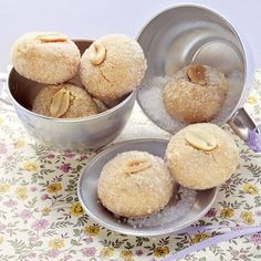 Schnelle zarte Erdnussseufzer - My list of simple and healthy recipes Easy Cookie Recipes, Cake Recipes, Snack Recipes, Dessert Recipes, Easter Recipes, Holiday Desserts, Easy Desserts, Holiday Recipes, Christmas Recipes