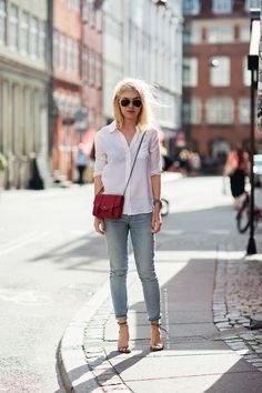Jeggings vs Jeans: How to Choose What's Perfect for You