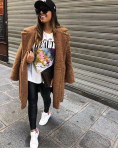 mentions J'aime, 24 commentaires – Luxury Fashion AM (Anna Teofilo.am) s… likes, 24 comments – Luxury Fashion AM Simple Winter Outfits, Winter Fashion Outfits, Look Fashion, Autumn Winter Fashion, Spring Outfits, Luxury Fashion, Winter Coat Outfits, Winter Holiday, Holiday Outfits
