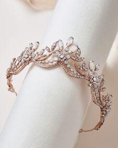 Crown Aesthetic, Princess Aesthetic, Gold Tiara, Gold Crown, Crystal Crown, Bridal Crown, Tiaras And Crowns, Royal Crowns, Fantasy Jewelry