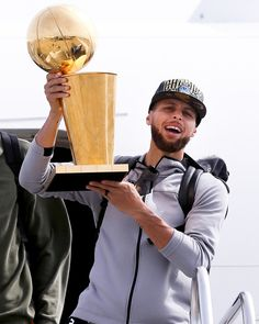 How many rings will curry have before he retires? Basketball Moves, Basketball Games For Kids, Curry Basketball, Carolina Panthers Wallpaper, Steph Curry Wallpapers, Stephen Curry Photos, Wardell Stephen Curry, 2018 Nba Champions, Golden State Basketball