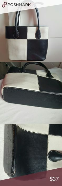 Wilson Leather Pelle Studio Bag Good condition  10.5 across bottom  9.5 height  7 inches top of handle to top of purse  Some light wear on bottom corners, see photos Wilsons Leather Bags