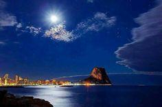 #Calpe de noche vía @JSolerGomez