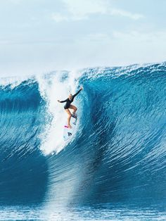 tatiana dropping from hell in tahiti ph: brent bielmann