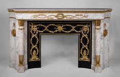 Very beautiful antique Louis XVI style fireplace in Arabescato marble with quiver-shaped columns, gilt bronze ornaments and curved sides after the model from the Chateau of Fontainebleau (Reference 3095) - Available at Galerie Marc Maison #antique #fireplace #louis16 #french #style #frenchantiques #marcmaison #fleamarket