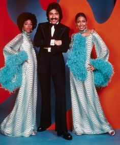 Tony Orlando and Dawn ~ Knock 3 times on the ceiling if you want me…Tie a Yellow Ribbon!