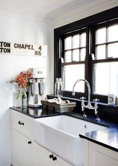 Leanne Carter-Taylor & Trent Carter-Brugman - The Design Files Kitchen Inspirations, Black Kitchens, Interior, Kitchen Remodel, House Interior, Kitchen Island Design, Home Kitchens, Home Interior Design, Black Window Frames