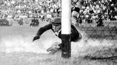 La parada famosa de Ricardo Zamora a tiro de Escolá en la Final de la Copa de España de 1936, en la que el Real Madrid derrotó en Mestalla al Barcelona por 2-1