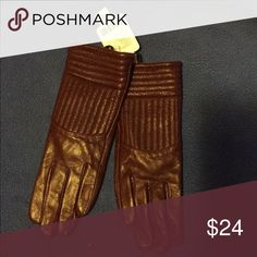 💄Leather Gloves 💄 NWT Wine Genuine leather gloves. Size S. Smoke and pet free. #leathergloves #womengloves #genuineleather Urban Outfitters Accessories Gloves & Mittens