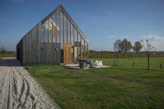 Haiko Meijer of Onix NL at Material Xperience 3 Contemporary Barn, Modern Barn, Modern Rustic, Modern Glass House, New Farm, Coffee Shop Design, Rural Area, Built Environment, Modular Homes