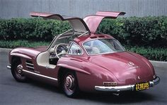 Mercedes-Benz 300 SL 1954 - source The Daily Drive.