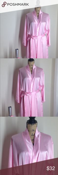 NWOT pink satin robe 3x NWOT pretty pink satin robe by i collection, size 3x icollection Intimates & Sleepwear Robes
