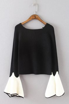 Black Round Neck Long Flares Sleeves Sweater