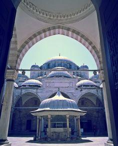 Şehzade Camii- İstanbul'un Fatih ilçesinde yer alan ve Mimar Sinan tarafından yapılan camii.ottoman works- (Şehzade Mehmet Camii ya da Şehzadebaşı Camii olarak da bilinir) Photograph by Meral Meri-