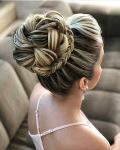 Bridal hairstyles updo high hair colors 69 ideas for 2019 Night Hairstyles, Long Bob Hairstyles, Bride Hairstyles, Pretty Hairstyles, New Bridal Hairstyle, Best Wedding Hairstyles, Pagent Hair, Peinado Updo, Hight Light