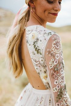 10 Wedding Dress Inspiration Ideas You Will Love is part of Wedding dresses beaded 10 Wedding Dress Inspiration Ideas You Will Love for wedding which never forgets in all life, these sweet, incredib - Cowboy Chic, Boho Wedding, Dream Wedding, Wedding Mandap, Wedding Hijab, Wedding Stage, Crystal Wedding, Wedding Receptions, Wedding Trends