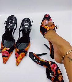 Dream Shoes, Crazy Shoes, Me Too Shoes, Cristian Dior, Shoes Sneakers, Shoes Heels, Lit Shoes, Pumps, Vintage Dior