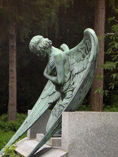 angel - grave Princess Elisabeth (Ella) of Hesse and by Rhine 1885 - 1904 (age 9y) ***___***