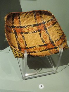 File:Basket tray, Chitimacha, accessioned in 1902 - Native American collection - Peabody Museum, Harvard University - DSC05491.JPG