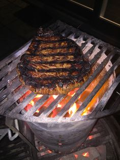 Steak op de BBQ 7: De Firestarter methode à la Meathead Grill Pan, Steak, Grilling, Bbq, Outdoor Decor, Food, Inspiration, Griddle Pan, Barbecue