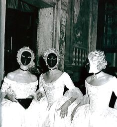 Jacqueline de Ribes at The Beistegui Ball, multiplied herself by Commissioning Matching Dresses & Accessories for 2 Fellow Invitees.