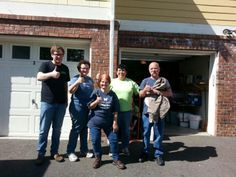 A big thanks to this great group of people who helped in assisting us with their friends move! Its always great when people come together to lend a helping hand! We appreciate all of the thumbs up! Thanks again!