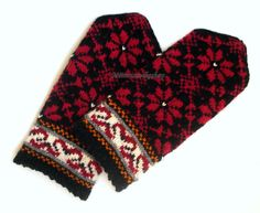 Hand knitted wool mittens Warm mittens Winter mittens winter gloves colorful Red floral ornament on a black background Christmas gift idea Mittens Pattern, Knit Mittens, Knitting Socks, Hand Knitting, Knitting Patterns, Wool Gloves, Knitted Gloves, Black And White Mittens, Quites