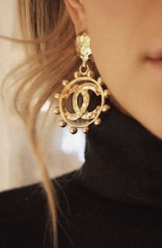 Coco The Lulus Creative Muse Gold Textured Circle Earrings are sure to inspire! Cool textured gold makes up these statement-making circle earrings. Circle Earrings, Clip On Earrings, Gold Earrings, Drop Earrings, Jewellery Earrings, Chanel Jewelry, Fashion Jewelry, Women Jewelry, Fashion Clothes