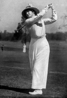 Golf Fashion Vintage Golf Tips. Golf is really an awesome recreation to learn. Simple to learn, golf can be enjoyed by everyone irrespective of health and fitness. Tennis Camp, Play Tennis, Play Golf, Tennis Gear, Tennis Tips, Tennis Clothes, Golf Images, Golf Pictures, Classic Golf