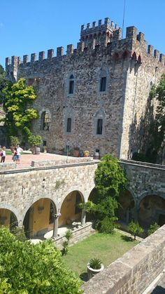 Castle of Bibi Graetz