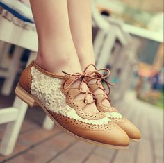 New synthetic leather brown brogue vintage shoes with lace 40, 6.5,9, 7.5  €28.00 EUR