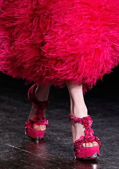 they look like real flowers  Alexander McQueen fall 2012