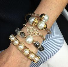 Set By Vila Veloni Lovely White And Black Pearls Bracelets