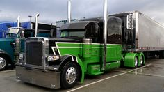 A selection of show trucks from the display area at the 2014 Mid-America Trucking Show in Louisville, Ky. Custom Peterbilt, Peterbilt 389, Peterbilt Trucks, Show Trucks, Big Rig Trucks, Old Trucks, Custom Big Rigs, Custom Trucks, Ranger
