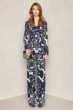 Want. Let my inner Charlie's Angel fly free. Diane von Furstenberg Pre-Fall 2015 Runway – Vogue