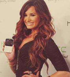 I love Demi Lavato, and i love her hair <3