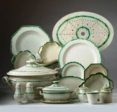 Staffordshire late - I NEED that for my green dining room! Evergreen House, Green Dining Room, Staffordshire Dog, English Pottery, Everyday Dishes, Country Furniture, Antique China, Vintage Country, Carnival Glass