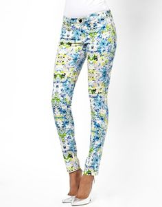 Florals & colors! What more could you wish for? :)