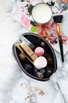What's in my makeup bag: December - Thirteen Thoughts