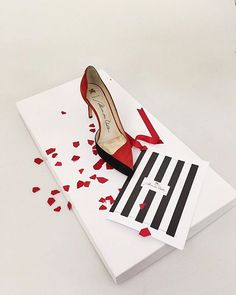 San Valentine's day is around the corner and we have the perfect shoes for you! ❤️ #alexandravoltan #ss16 #14feb #sanvalentine