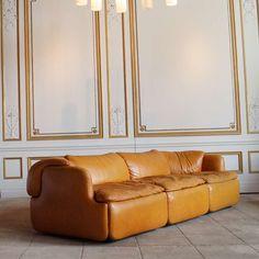Alberto Rosselli; Leather 'Confidential' Sofa for Saporiti, 1970s.