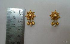 Gold Jhumka Earrings, Jewelry Design Earrings, Gold Earrings Designs, Gold Jewellery Design, Designer Earrings, Gold Jewelry, Small Earrings, Stud Earrings, Gold Ring Designs