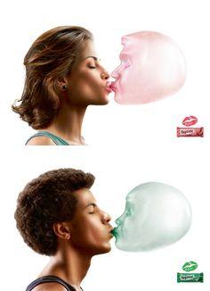 향긋한 키스를 부르는 껌 광고^^