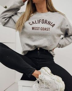 〜テス〜 - - Kochen - New Ideas Tumblr Outfits, Mode Outfits, Tumblr Clothes, Basic Outfits, Teenager Outfits, College Outfits, School Outfits, First Day Of School Outfit, Cute Comfy Outfits