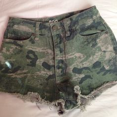 Urban Outfitters BDG HighWaisted Camo Print Shorts . Urban Outfitters Jeans